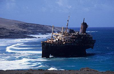 Fuerteventura, Schiffswrack American Star - p2687384 von Andres Wertheim