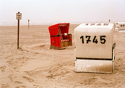 On the beach - p3880062 by Bill Davies