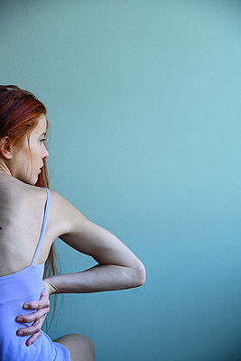 Red-haired woman - p427m2210316 by Ralf Mohr