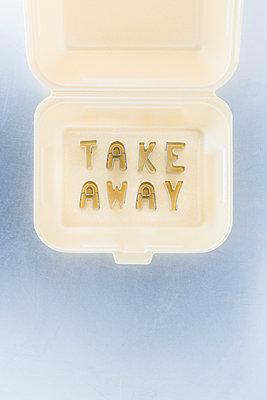 Take-away - p1149m2284385 by Yvonne Röder