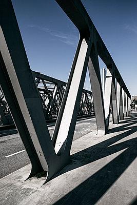 Brücke - p1222m1538544 von Jérome Gerull