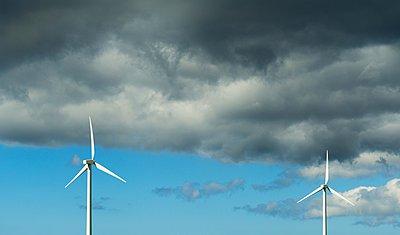 Modern wind turbines, Burgervlotbrug, Noord-Holland, Netherlands - p429m1029725 by Mischa Keijser