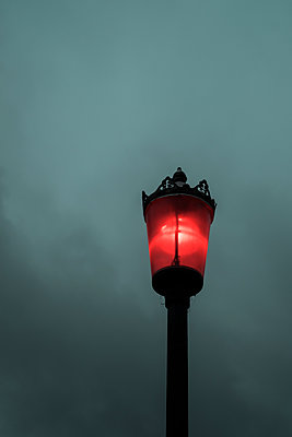 Old fashioned street lamp at night - p1228m1491750 by Benjamin Harte