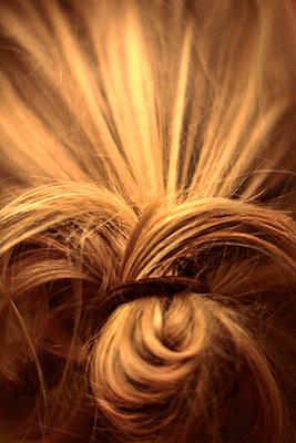 Blond - p1247m1050910 von Hannes S. Altmann