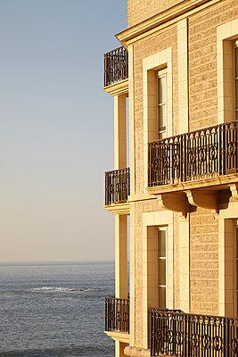 Apartment am Meer - p464m1048121 von Elektrons 08