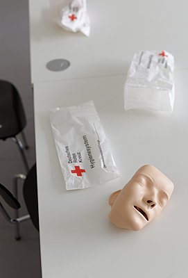 First aid class - p250m2259039 by Christian Diehl