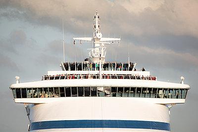 Kreuzfahrtschiff - p1486m2100445 von LUXart