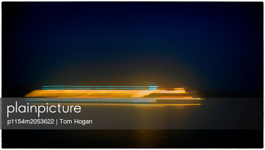 Lichtspuren - p1154m2053622 von Tom Hogan