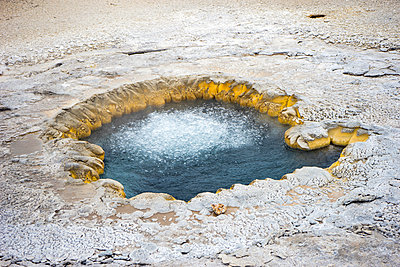 Beach Spring in Upper Geyser Basin, Yellowstone National Park - p1166m2147070 by Cavan Images