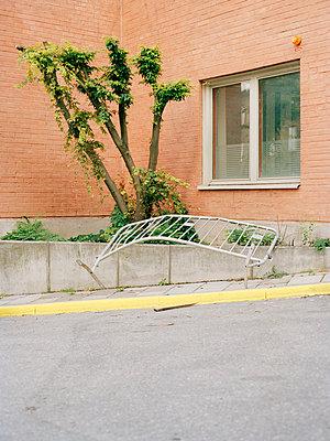 Vandalism - p1177m965854 by Philip Frowein