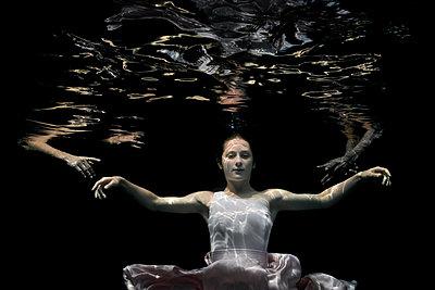 Underwater Baroque ballet dancers - p1554m2158935 by Tina Gutierrez