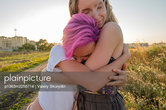 Sisters in the evening light - p1363m2258714 by Valery Skurydin