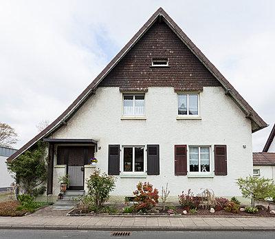 """Haus in der Arbeitersiedlung """"Dahlhauser Heide"""" in Bochum - p105m1025434 von André Schuster"""