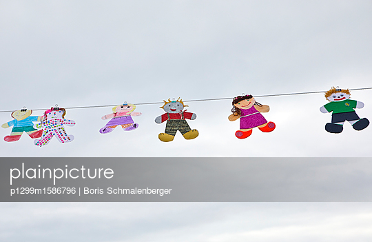 Girlande - p1299m1586796 von Boris Schmalenberger
