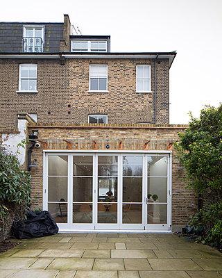 Stadthaus - p676m877350 von Rupert Warren