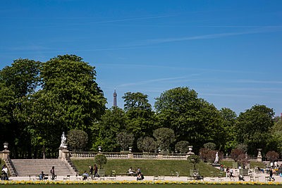 At the Jardin du Luxembourg - p940m1132506 by Bénédite Topuz