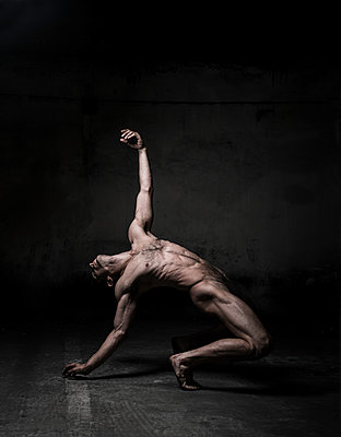 Naked male dancer - p1139m1503056 by Julien Benhamou
