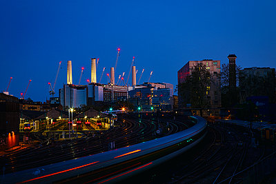Great Britain, London, Cole fired power station, Battersea Power Station bound - p1399m2204257 by Daniel Hischer