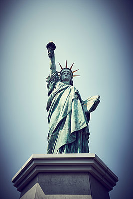 Statue of Liberty in Tokyo - p851m2077294 by Lohfink