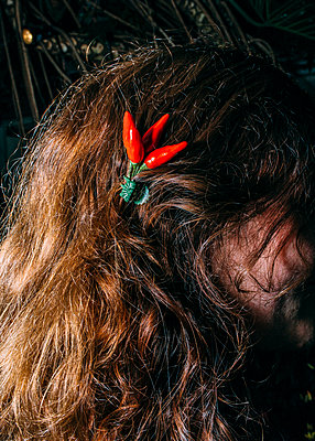 Chili Hair Clip - p1085m1116412 by David Carreno Hansen