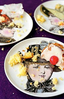 Kuchenkrümel - p1650141 von Andrea Schoenrock