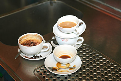 Dirty coffee cups - p3011914f by fStop