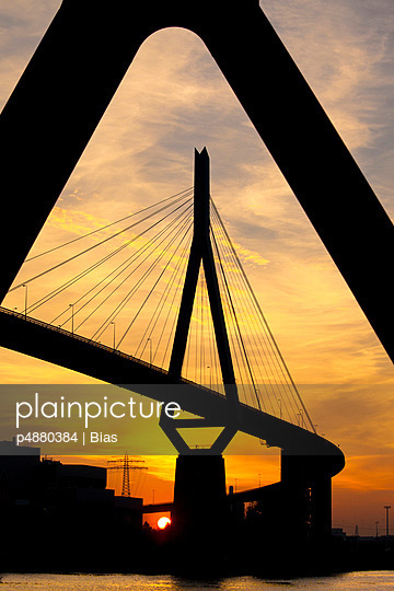Sunset in Hamburg - p4880384 by Bias