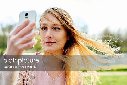 Selfie - p890m1152721 von Mielek