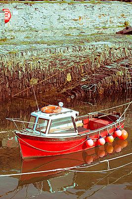 Rotes Boot - p432m854531 von mia takahara