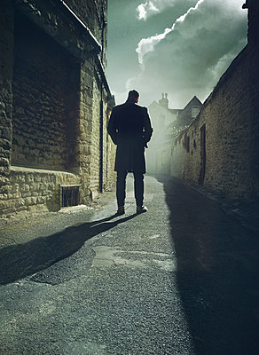 Man in alley - p984m1222323 by Mark Owen