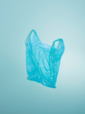 Plastic bag - p567m720906 by Laurence et Renaud photography
