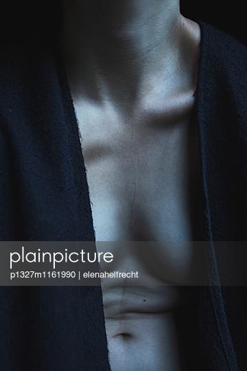 Weiblicher Körper - p1327m1161990 von elenahelfrecht