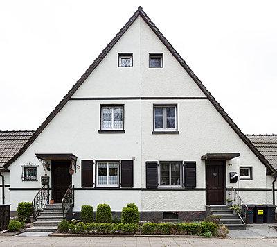 """Haus in der Arbeitersiedlung """"Dahlhauser Heide"""" in Bochum - p105m1025441 von André Schuster"""