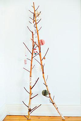 Christmas star - p432m970577 by mia takahara