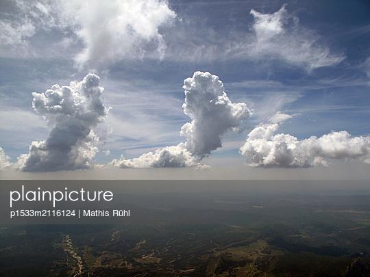 France, Plateau de Valensole - p1533m2116124 by Mathis Rühl