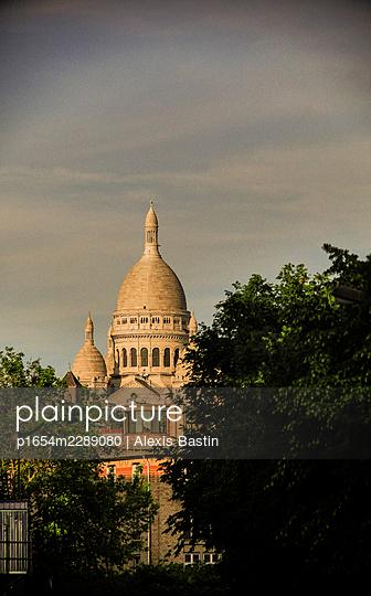 Sacre Coeur - p1654m2289080 by Alexis Bastin