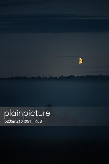 p235m2184051 by KuS