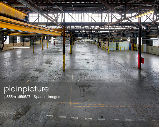 An empty industrial building in Los Angeles