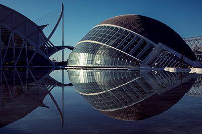 City of arts and sciences - p1329m1491669 by T. Béhuret