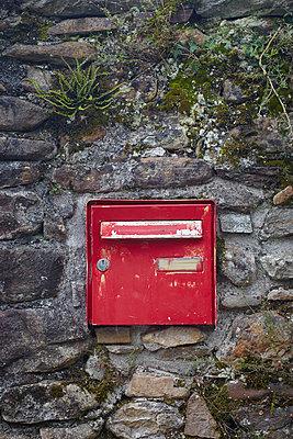 Briefkasten - p464m1015133 von Elektrons 08