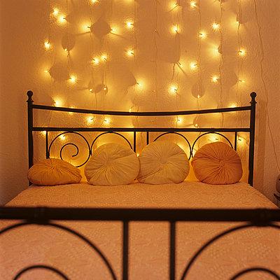 Hotelbett - p7660039 von Natalie Kriwy