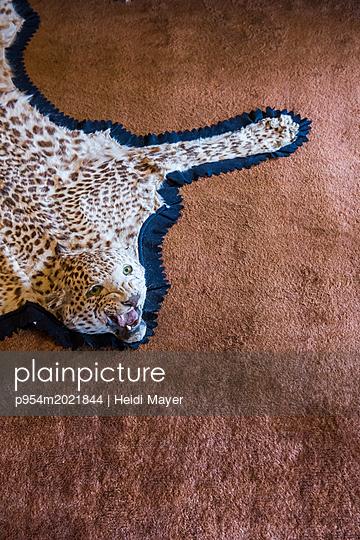Leopard - p954m2021844 von Heidi Mayer