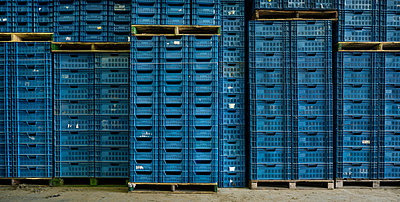 Blue boxes - p1132m952143 by Mischa Keijser