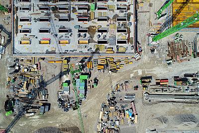 A bird's eye view of a construction site - p1638m2291848 by Macingosh