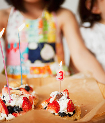 Happy Birthday - p500m668563 by Yumiko Kinoshita