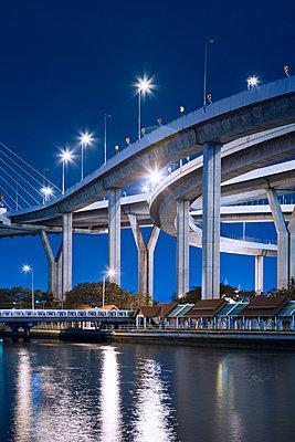 Bhumibol-Brücke in Bangkok - p1032m1220666 von Fuercho
