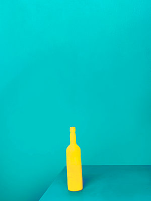Yellow bottle - p1413m2065498 by Pupa Neumann