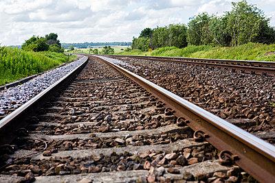 Bahngleise in der Landschaft - p1057m1444641 von Stephen Shepherd