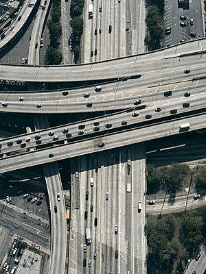 Highway in Los Angeles - p356m822590 by Stephan Zirwes