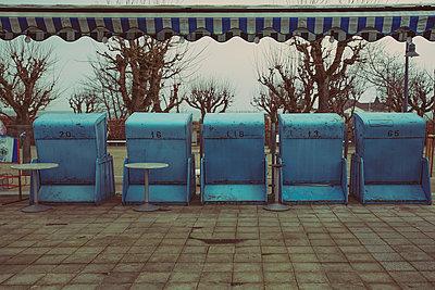 Strandkörbe - p904m887683 von Stefanie Päffgen